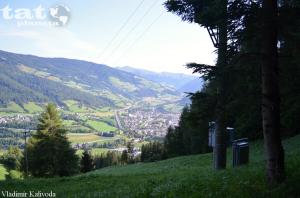 32. Dálnice A22 pod vrcholky Alp u městečka Vipiteno